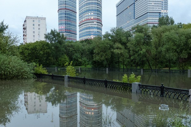 Она утонула: Последствия рекордного ливня вМоскве