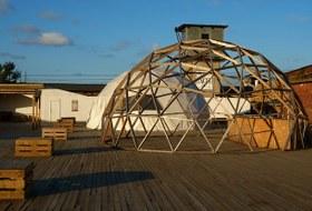 Крыша, музыка иособняк: Как ожила Кожевенная линия вПетербурге