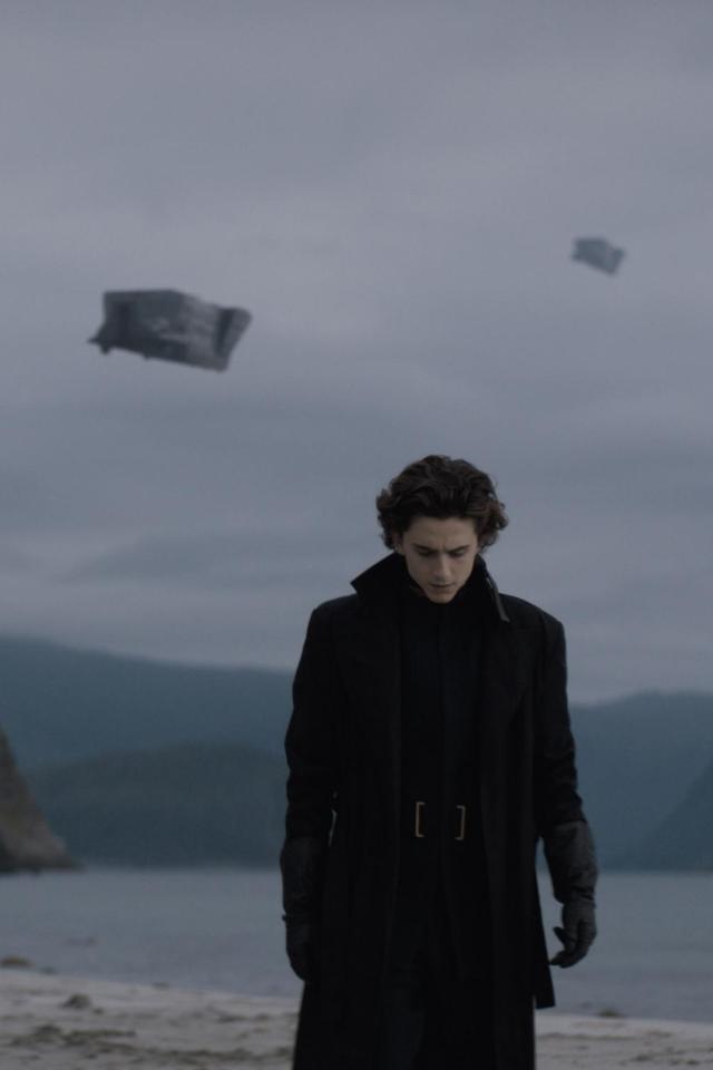 Авторы «Дюны» анонсировали вторую часть фильма. Она выйдет воктябре 2023года