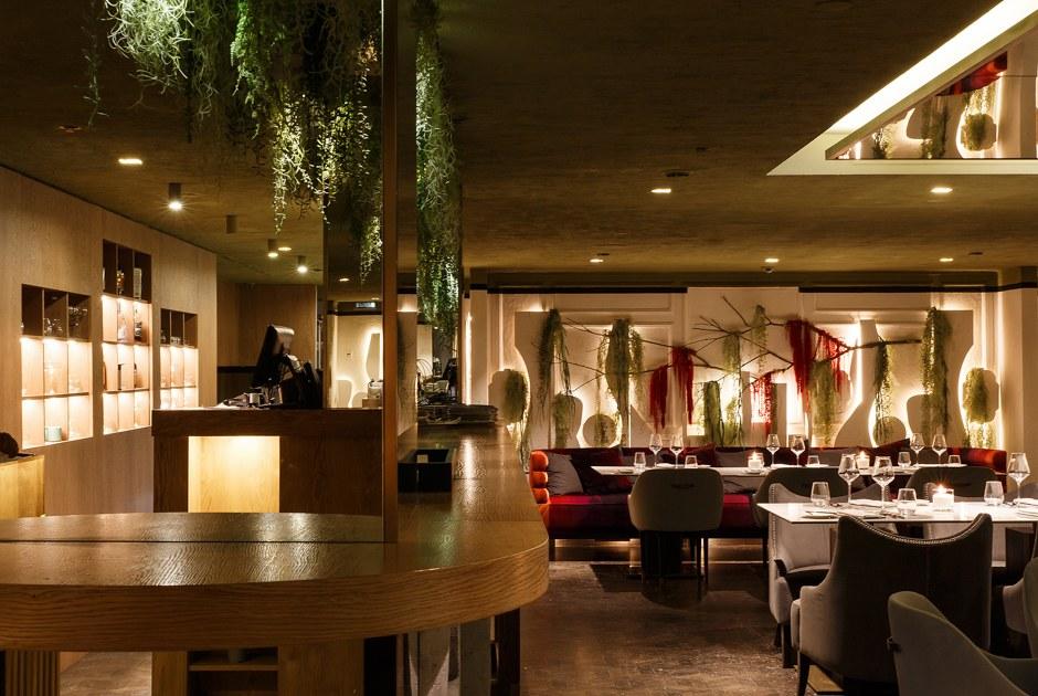 Ресторан Maze: Лабиринт наТриумфальной площади