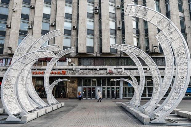 Эксперты и чиновники — остранных арт-объектах наулицах Москвы