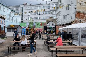 Фудкорт Street Food Market на Большой Покровской