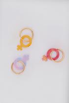 Сережки сзеркалом Венеры изпереработанного пластика