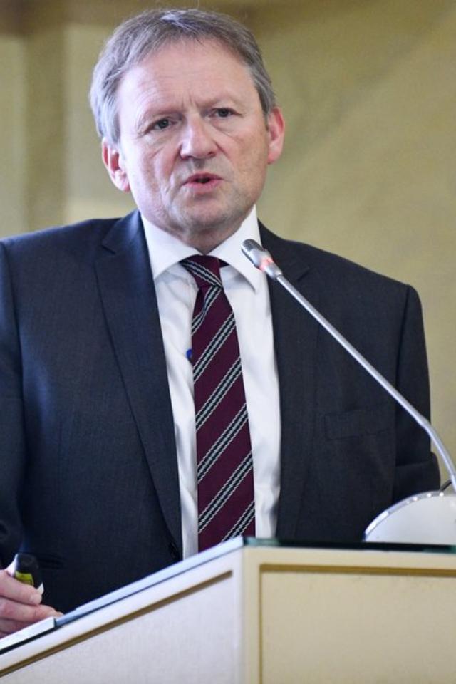Титов объяснил, почему был втомском отеле вдень отравления Навального