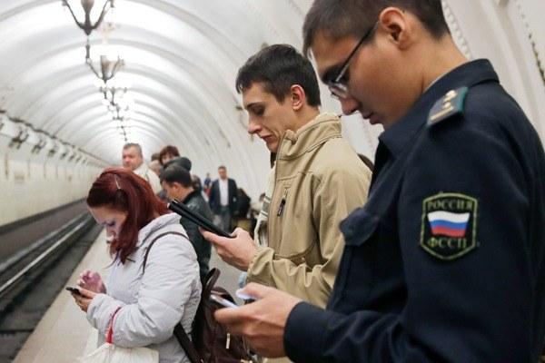 «Синдром постоянного нахождения онлайн»: Как смартфон ипланшет поменяли жизнь горожан