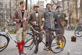 С твидом на город: Участники первого «Ретрокруиза»— о своей одежде и велосипедах