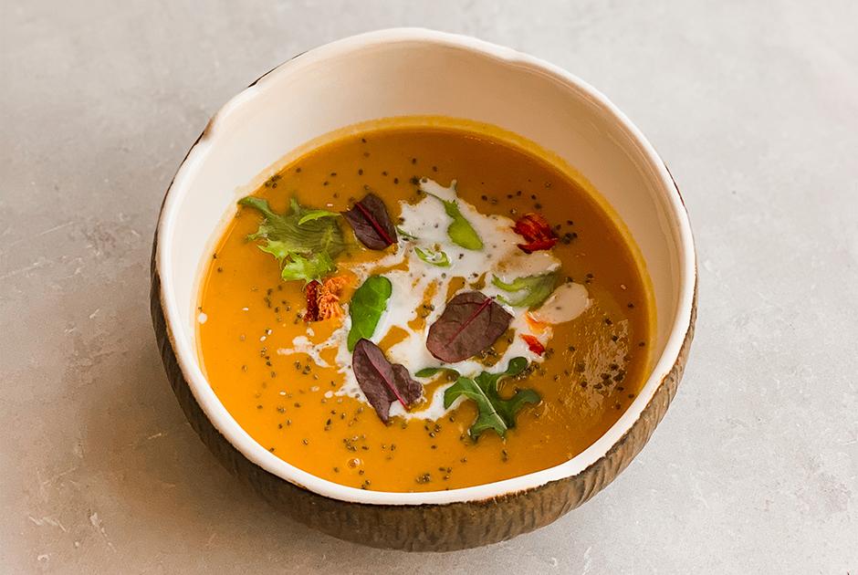 С карри, бешамелем исоусом помодоро: Какприготовить суп, которым можно согреться