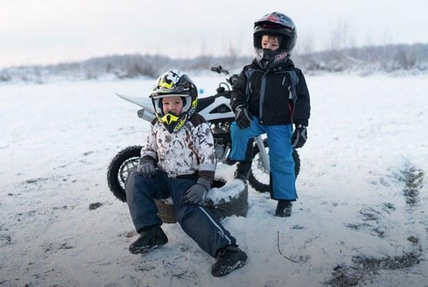 Мотодетки: Маленькие мотоциклисты иихродители — отом,зачем ребёнку гонки