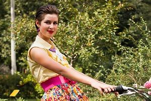 Люди в городе: Участницы парада «Леди на велосипеде»