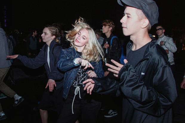 «Закрытая группа не спасает отполиции»: Как устроены новые подпольные вечеринки в Москве