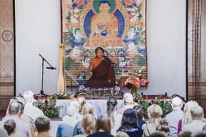 «Мы попытались научиться медитировать»