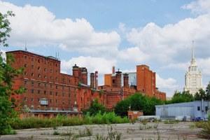 Бадаевский зачищают ради элитного «дома наножках». Арендаторы имосквичи против