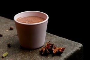 Пережить февраль: 3 рецепта горячих коктейлей от El Copitas Bar