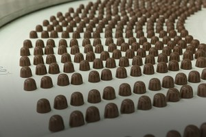 Как делают шоколад иконфеты