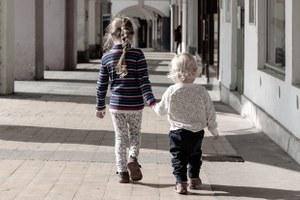 Чек-лист: Что нужно знать родителям, чтобы безопасно перемещаться сребенком погороду
