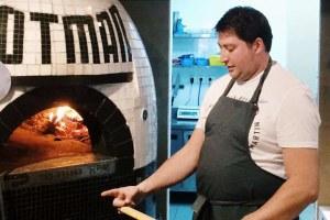 Дмитрий Зотов изZotman Pizza Pie ипабов Haggis и«Крылышко или ножка»