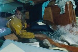 Новая дорожная разметка, британцы безроссийских виз итрейлер фильма Adrift