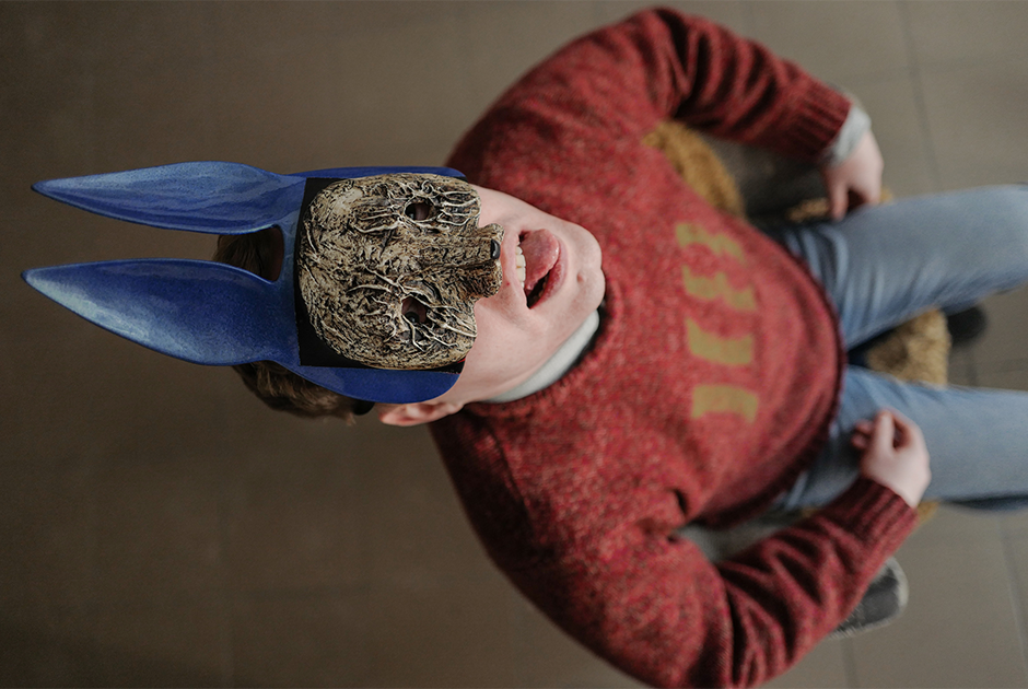 Художник Mal Corpse — о страшных масках, эстетике отвратительного и выставках в городе