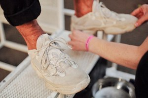 Где привести в порядок кроссовки: три сникер-химчистки вПетербурге