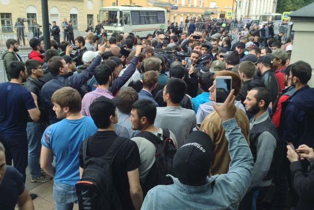 Почему мусульманский митинг прошел без задержаний?