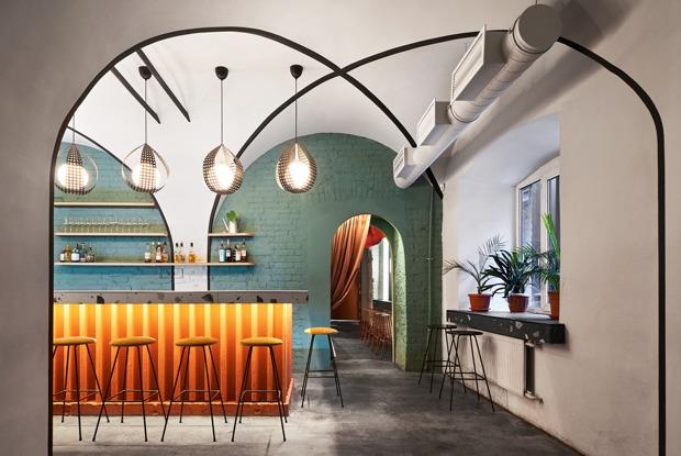 Диско-бар «Такты», ресторан неорусской кухни Listesso иHangar Bar скрафтовым пивом