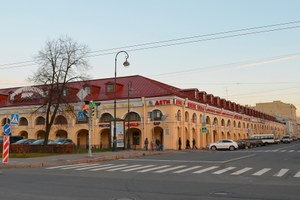 Артем Балаев  — о реконцепции Андреевского двора и конкуренции сВасилеостровским рынком