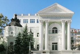 Как выглядит реставрация, которой гордится московская мэрия