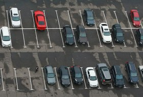 Где проще найти бесплатную парковку?