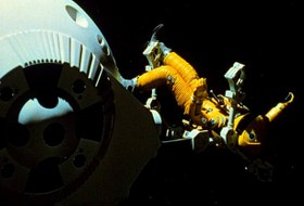 «Космическая Одиссея2001», «Наснедогонят» и«Какженить холостяка»
