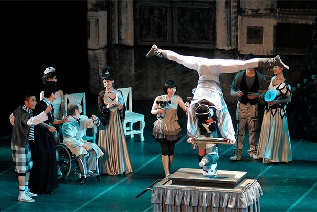 Акробатический «Щелкучик», «Шоу поддождем», интерактивный театр
