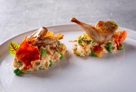 С доставкой надом: Где заказывать салаты, горячее идесерты дляновогоднего стола