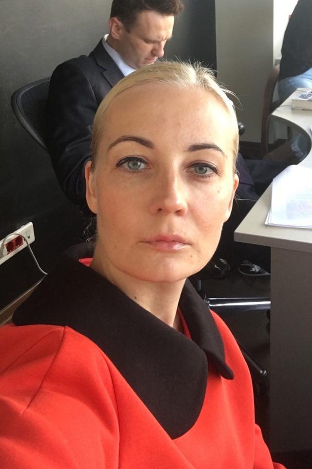 «Нет вещи, скоторойбы мынесправились». Юлия Навальная— озадержании мужа