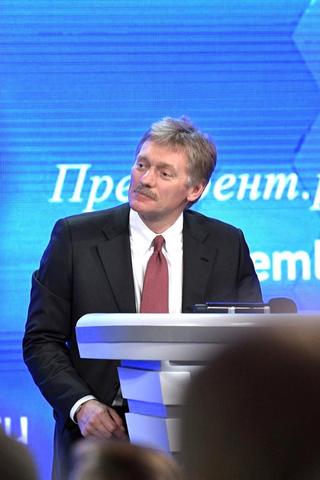 """«Эффективность """"Спутника V"""" весьма высокая. Президента — еще выше»,— Песков осамоизоляции Путина"""
