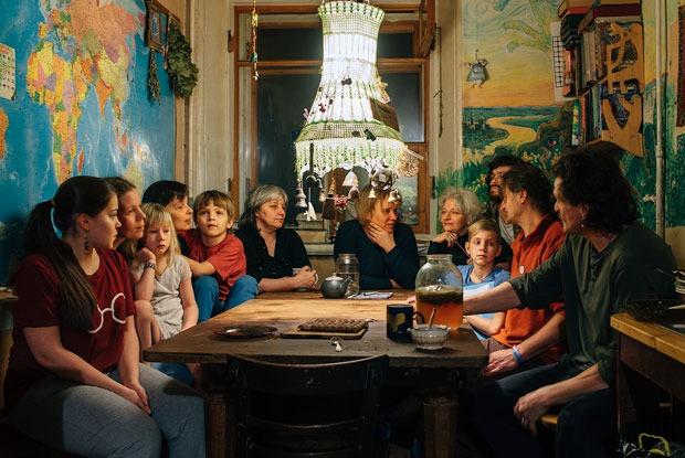 Дом наСреднем: Социальный эксперимент в одной квартире