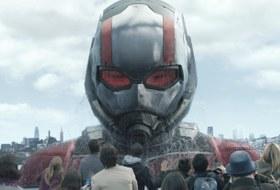 Флешмоб в поддержку однополых браков, стикеры Эрмитажа и сиквел Marvel про мини-супергероя