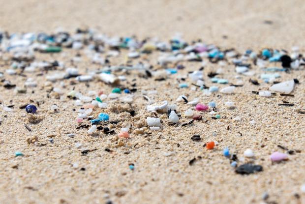 Микропластик: Каккрошечные частицы вредят природе ичеловеку