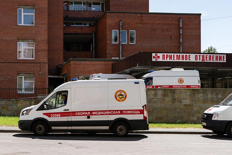 Полмиллиона переболевших COVID-19в Петербурге, нестыковки вданных иочереди навакцинацию