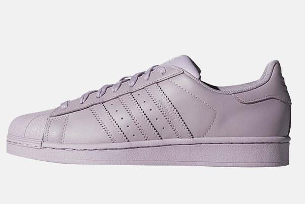 Сколько стоят кроссовки adidas Originals в Москве, Париже, Лондоне ив онлайн-магазине