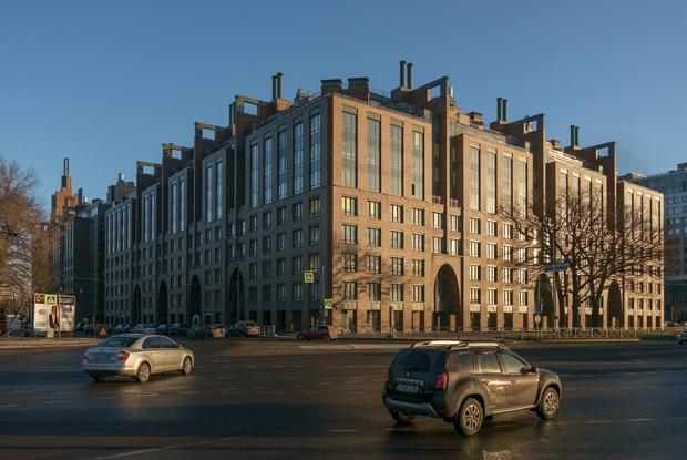 История самой красивой новостройки Петербурга