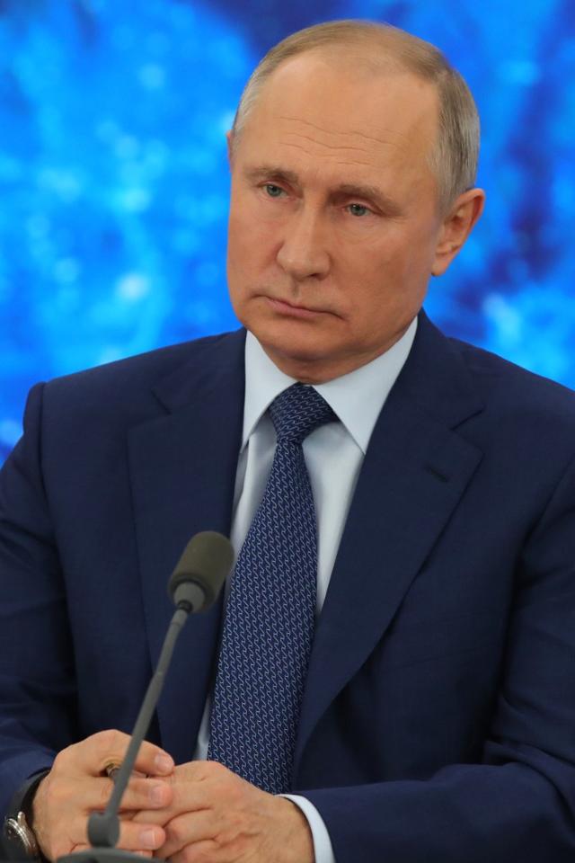«Скучно, девочки»— Владимир Путин одворце израсследования Навального