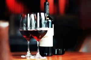 За стеклом: Как научиться выбирать вино