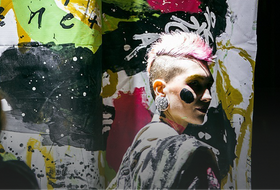 Мода, кино и панк: Перформанс по Вивьен Вествуд в «Колизее»