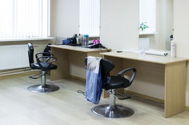 Как работает православная парикмахерская вПетербурге