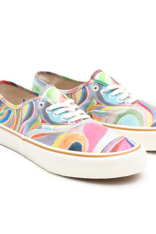 Разноцветные кеды Vans изэкоколлекции схудожником Крисом Йохансоном