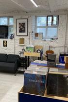Музыкальный магазин Stellage, лейбл CANT ииздательство «ШУМ» открыли общее пространство вМоскве