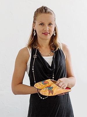 «Разгуляев Благонравова»: Каксемейная легенда помогает продавать тапочки