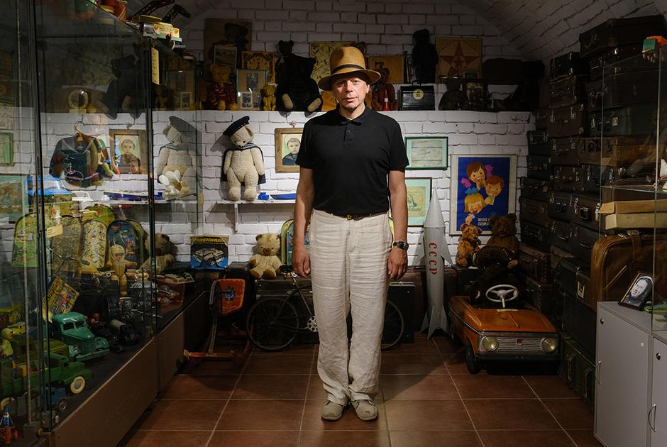 Создатель Игрушечного музея Александр Лавров — о своей коллекции, дорогих советских игрушках и редких экспонатах