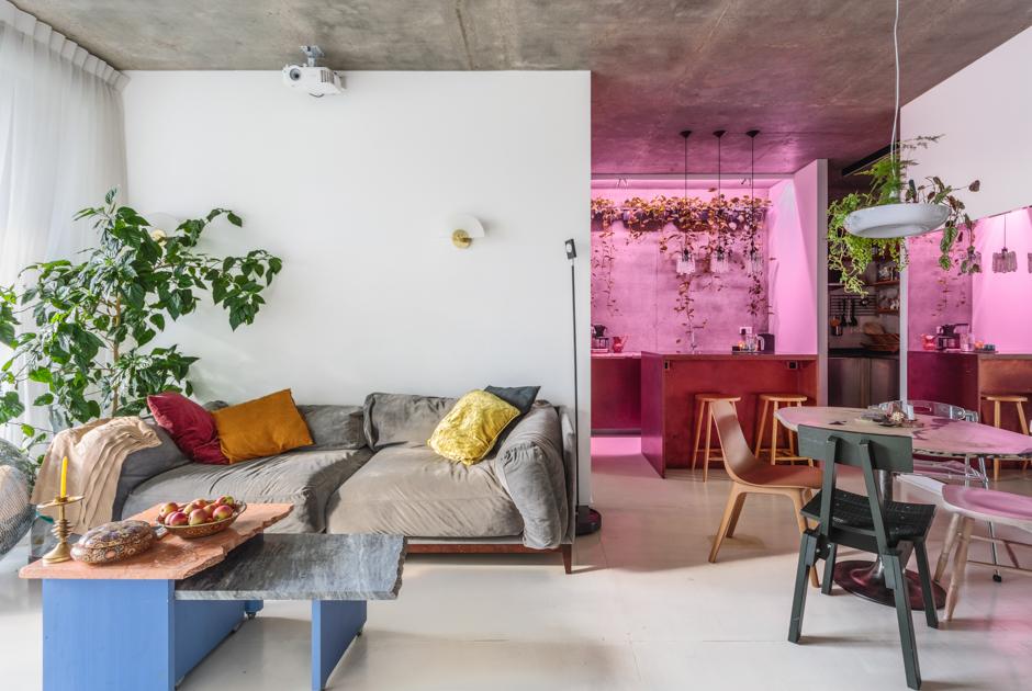 Двухкомнатная квартира стропиками внутри иванной вспальне на«Красных Воротах»