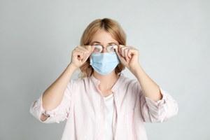 От ношения маски запотевают очки. Чтоделать?