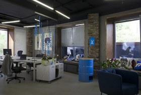 Циан и переговорка имени Бажова: Как устроен офис Yota в бизнес-центре «Аврора»